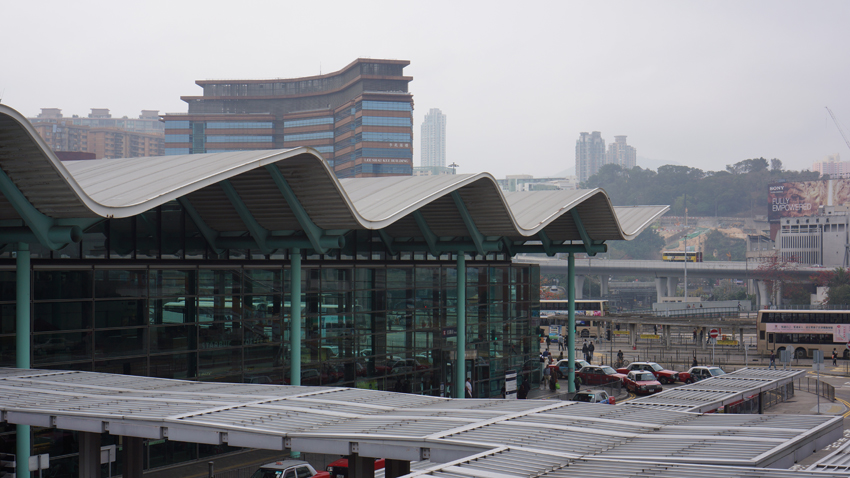 紅磡駅 大きな駅です。