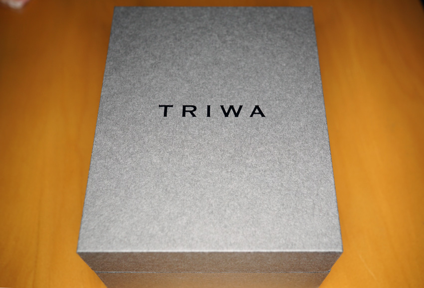 箱は紙でできています。