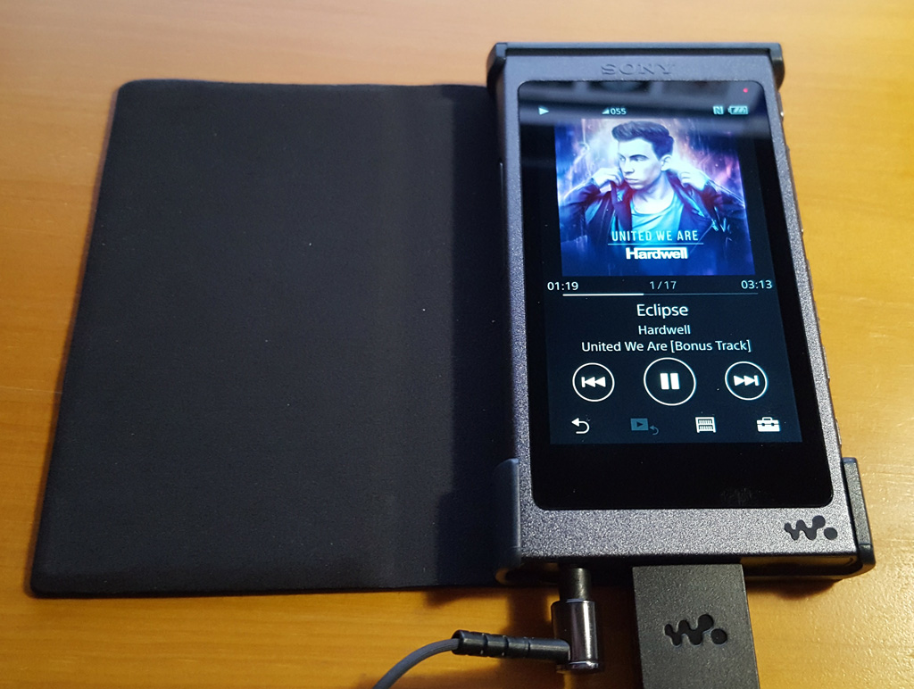 SONY NW-A35ケース装着